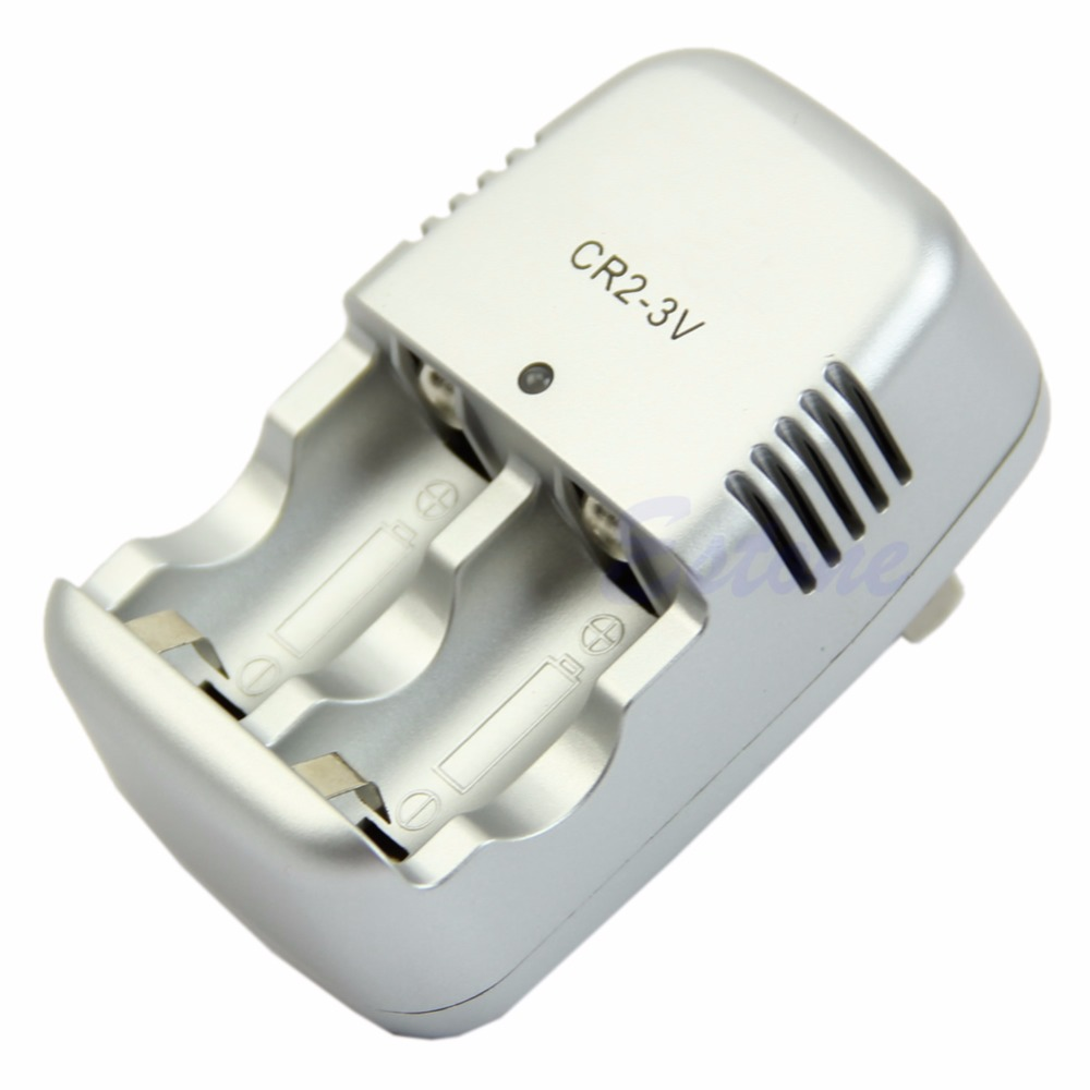 Automatická nabíjačka na batérie typu CR2
